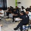 Alrededor de 180 policías realizan examen para ascensos